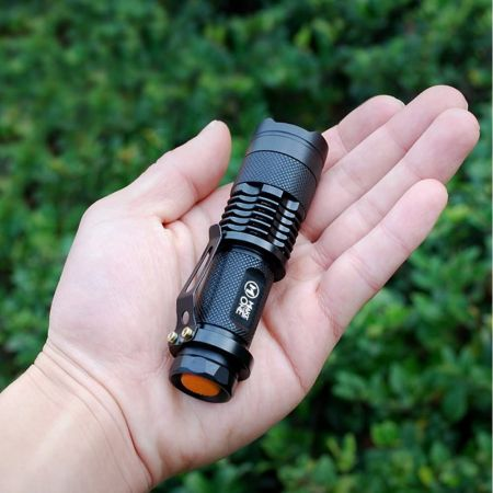 Super Mini Φακός CREE 300 Lumens