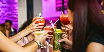Warm Up Cocktail Bar!