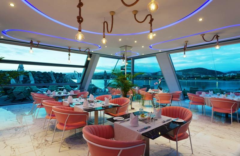 sailors rest lounge bar restaurant st raphael resort limassol
